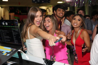 SeniorParty2019_1Y8A5477